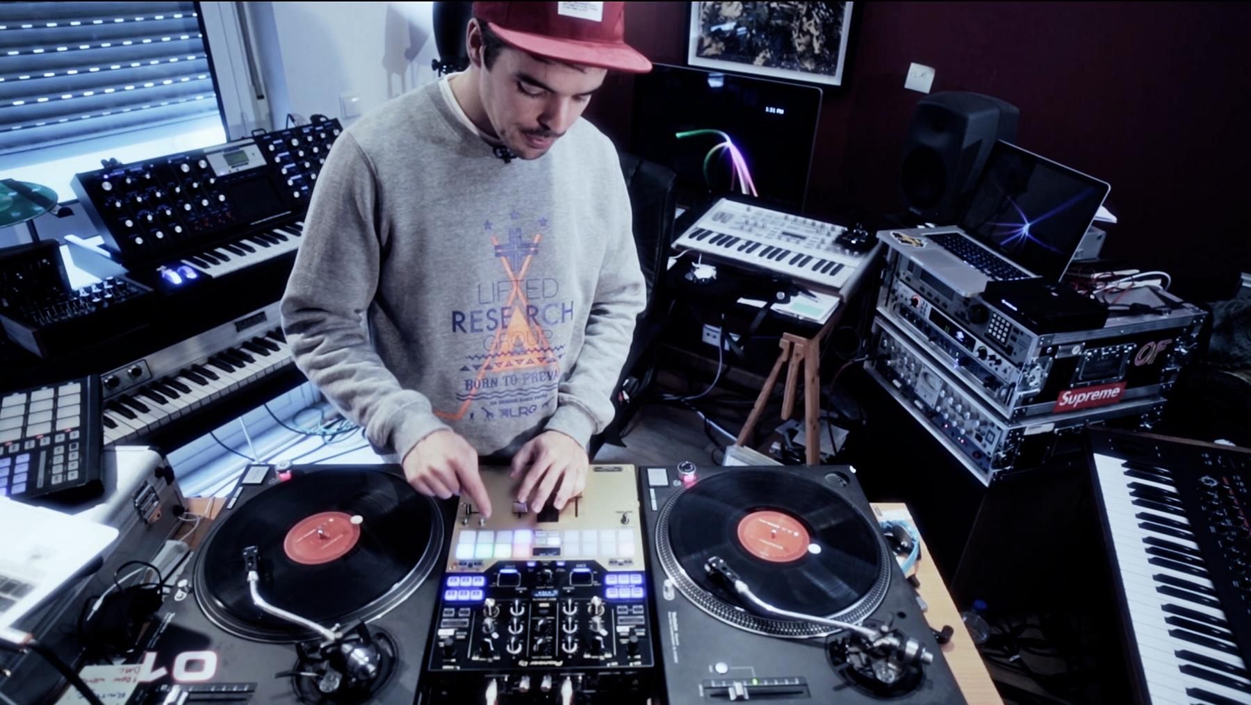 Trabalhos Manuais - DJ Ride