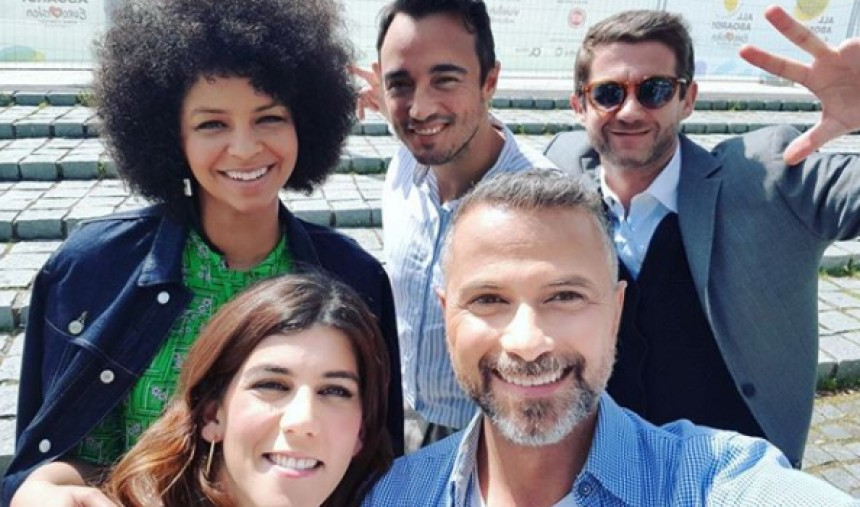 Os apresentadores da Blue Carpet do Festival Eurovisão da Canção 2018