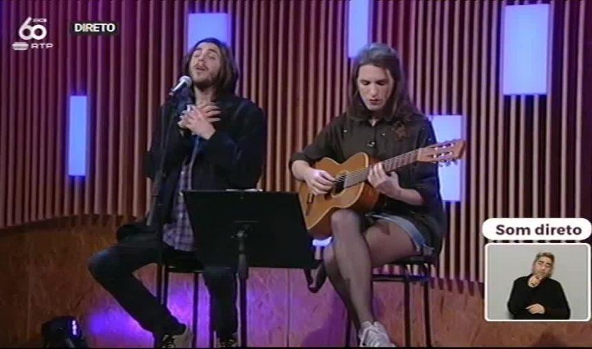 Salvador e Luísa Sobral cantam