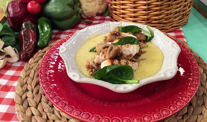 Peito de Frango com Polenta e Cogumelos - Culinária