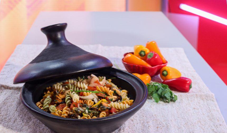 Mexilhões salteados com macarrão - Chef Hélio Loureiro
