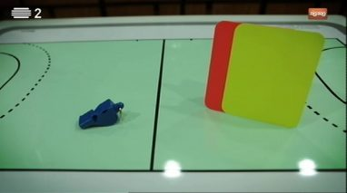Peças Falantes: apito vs cartão amarelo vs cartão vermelho